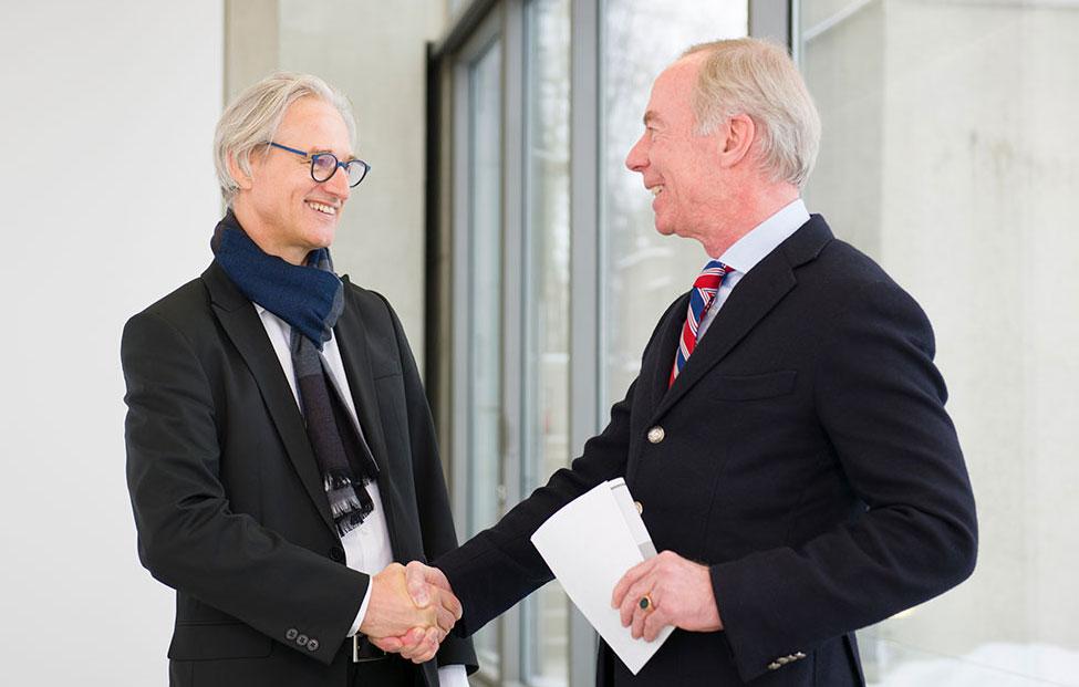 Dkfm. Christoph Staelin Handshake